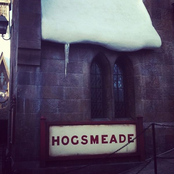 Hogsmeade sign
