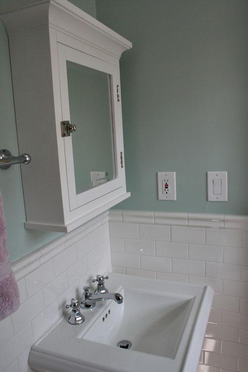 Small-bathroom-13