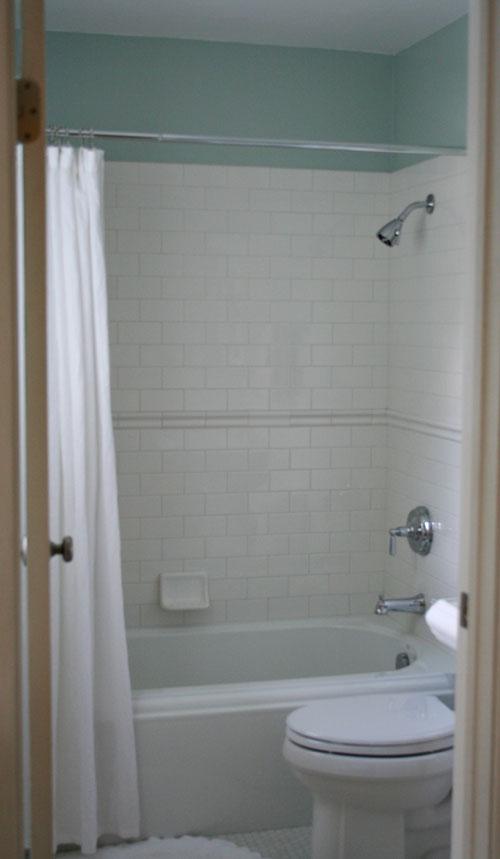 Small-bathroom-16