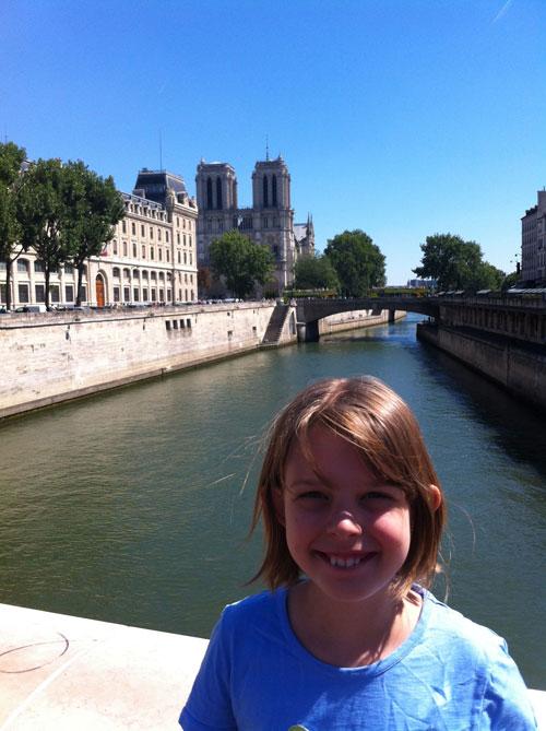 Paris104