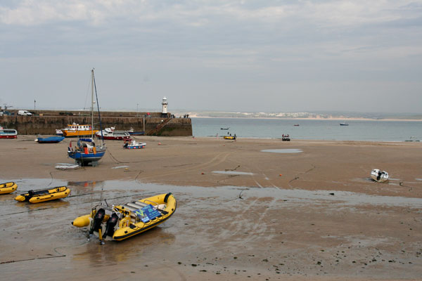 Low-tide-st-ives-harbor