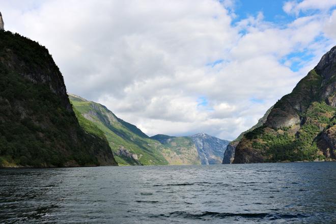 Naeroyfjord3